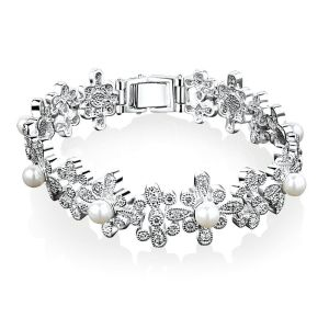 http://www.newbridgesilverware.com/occasions/gifts+for+her/grace+kelly+jewellery/item/VGK054/